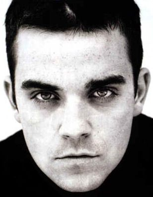 robbie_williams_portrait_black_and_white