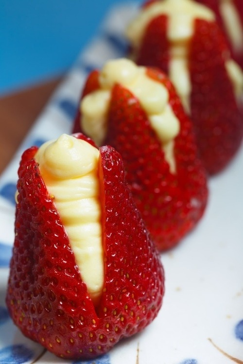 Strawberries filled with Cheese Cake