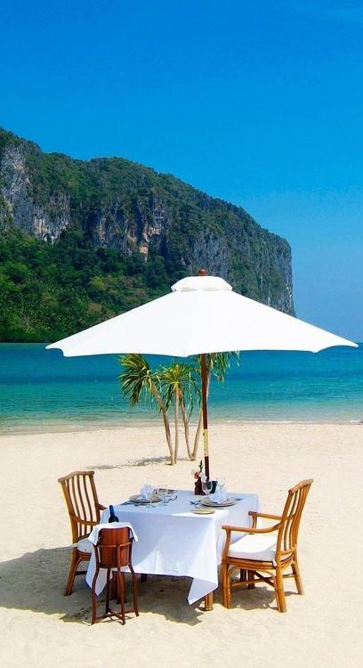lunch seaside