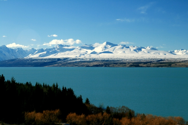 New Zealand-lake-mountain