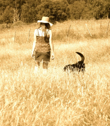 james-stratford-woman-and-dog-in-field