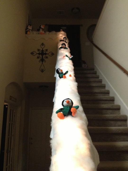 funny-penguin-slide-Christmas-scarf