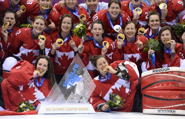 OLY-2014-IHOCKEY-WOMEN-MEDALS