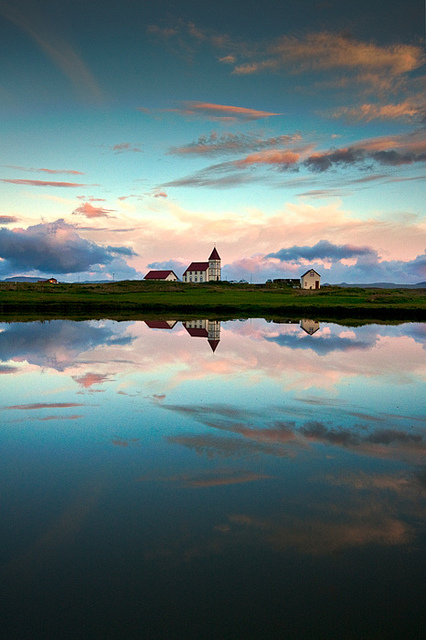 photography-reflection-community-iceland-vogar