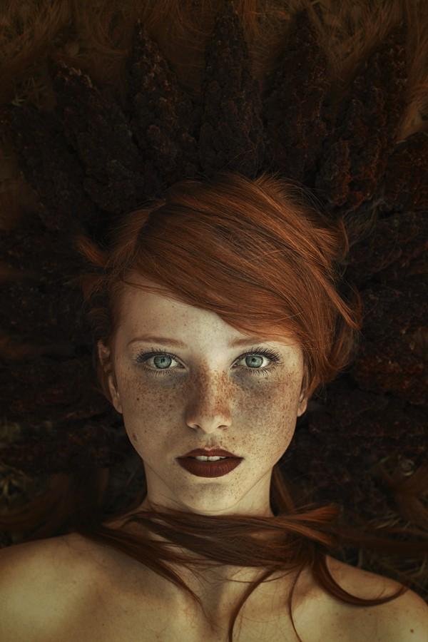 eyes, red hair