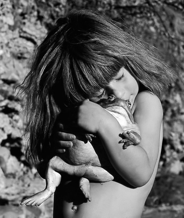 frog-toad-girl-hug