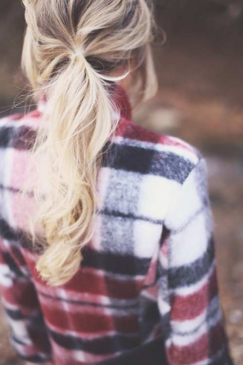 flannel-shirt-hair-woman