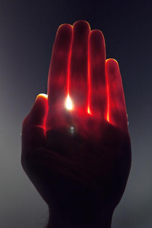 hand-sun-light