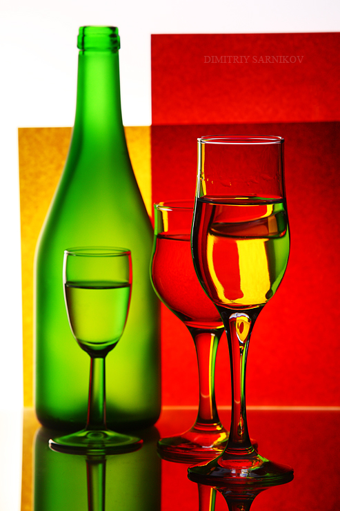 wine-glass-color-red-green