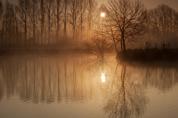 morning-sunrise-river