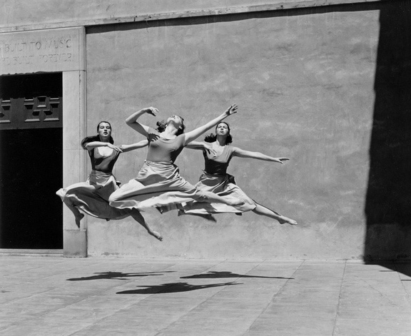 Three-dancers-imogen-cunningham