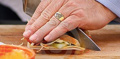 cutting-sandwich