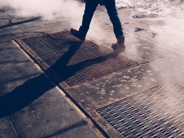 Steamy-Grates-walking-winter