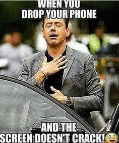 robert-downey-phone-funny-laugh