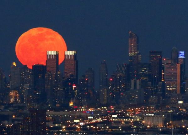 full-moon-new-york-city-april-5-2015