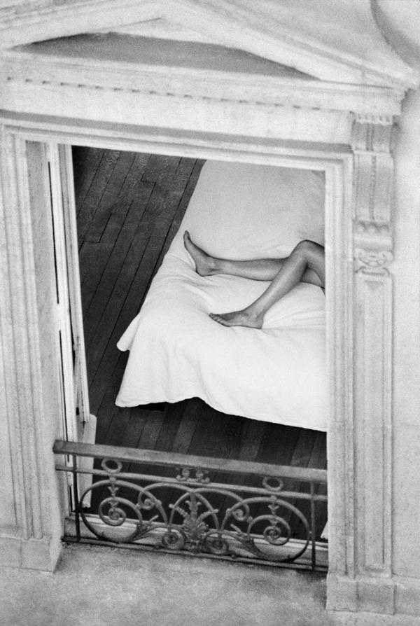 sleep-saturday-photography-legs-weekend