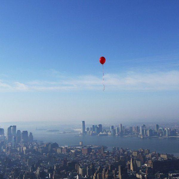 red-balloon-over-manhattan