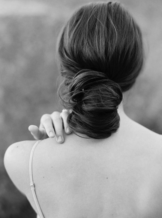 portrait-back-woman