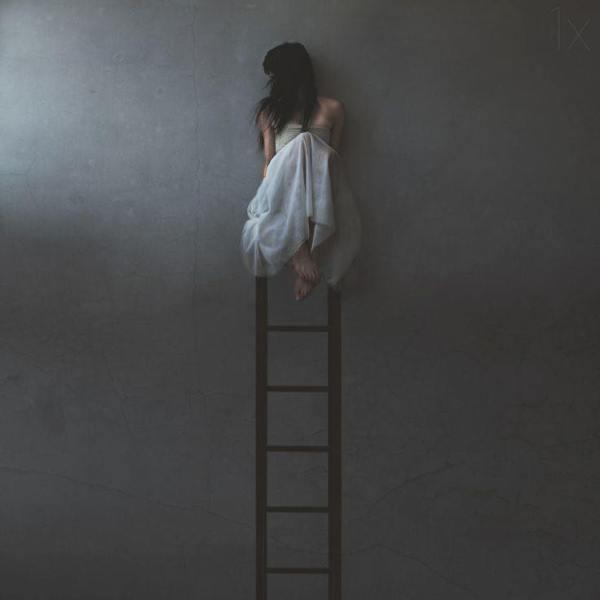 ladder-climb-down-up