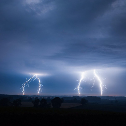 lightning-storm-weather