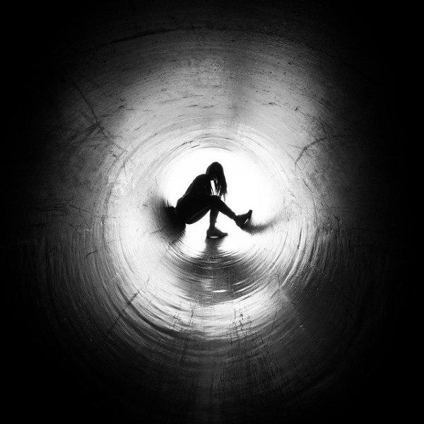 tunnel-dark-light