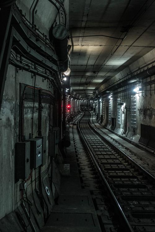 train-tracks-commute-tunnel