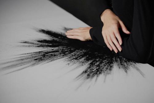 dark-hands-paint