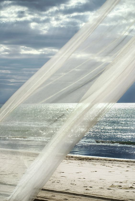 ocean-breeze-wind-summer-curtain