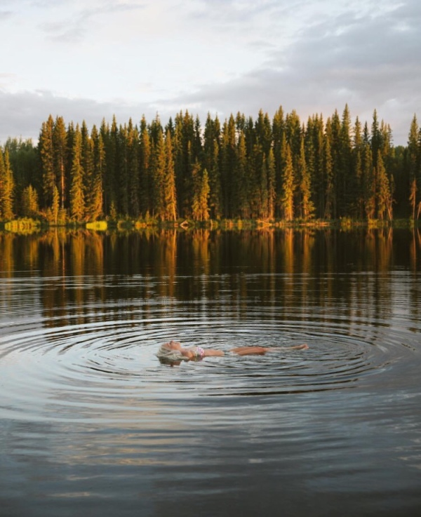 fall-float-autumn-swim-relax