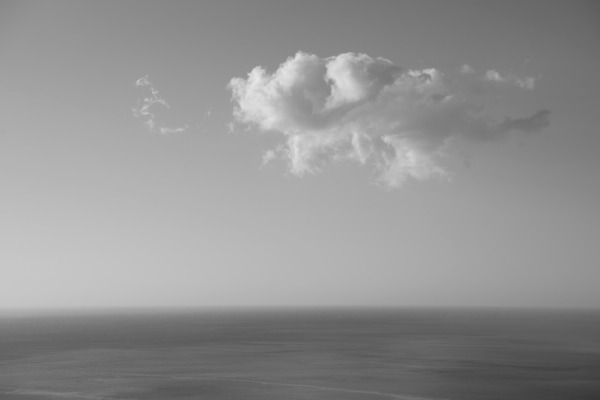 cloud-sea-black-and-white