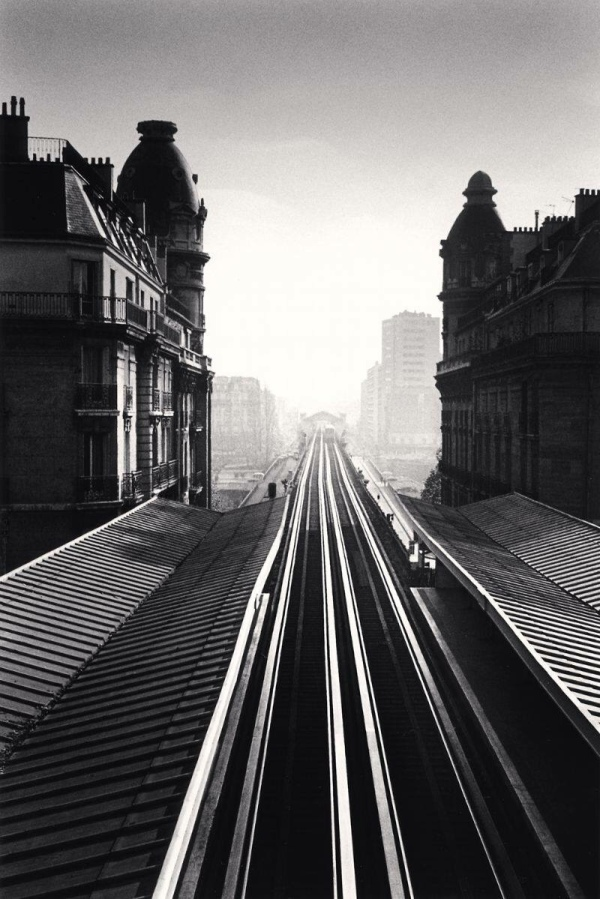 train-tracks-paris-metro