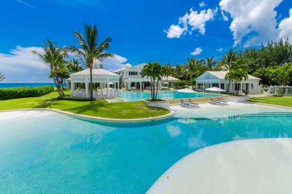 celine-dion-jupiter-florida-swimming-pool