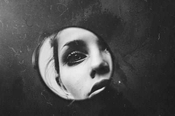 mirror-laura-zalenga