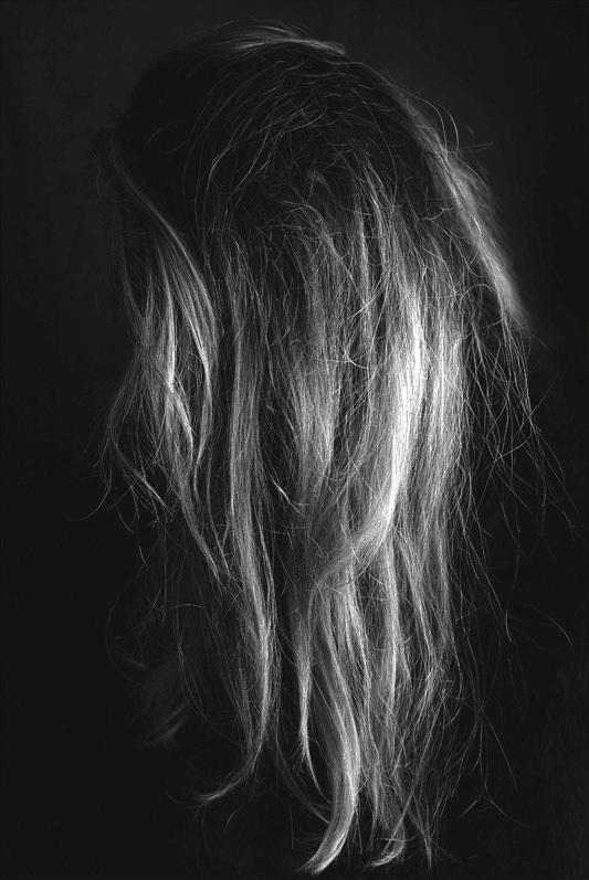 hair-back-black-and-white